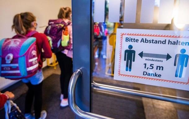 Дедалі менше німців дотримуються антикоронавірусних правил - опитування
