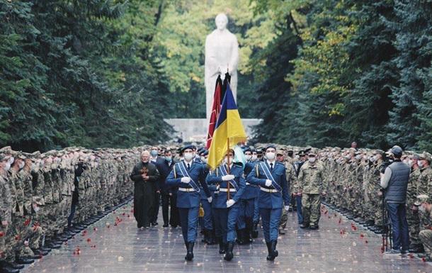 В Харькове прощаются с погибшим в авиакатастрофе Ан-26 курсантом
