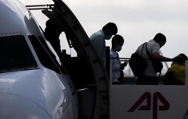 До Німеччини з Греції прибув літак із біженцями
