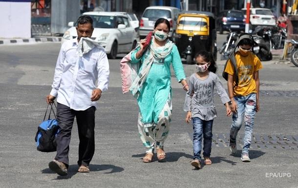 В Индии разрешили открыть школы и кинотеатры