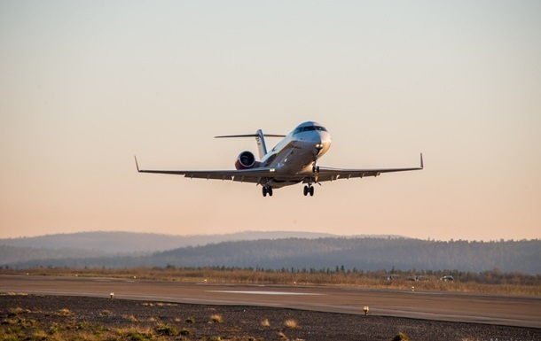 Сотни тысяч работников авиакомпаний могут потерять работу