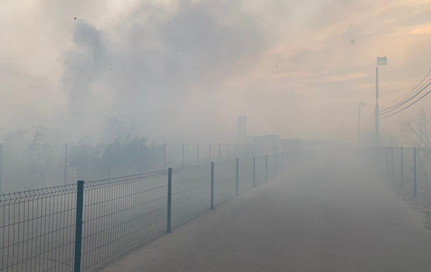 Пожежа поширилася на КПВВ Станиця Луганська