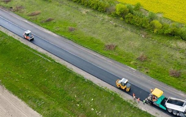 В Укравтодоре назвали стоимость километра дороги