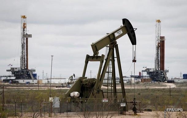 Российская нефть подешевела в полтора раза за год