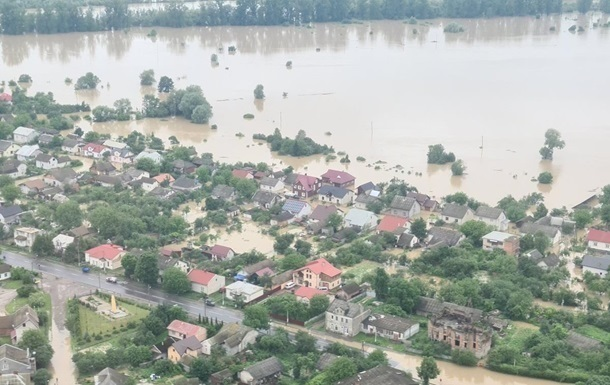 На ліквідацію наслідків повені на заході виділили 1,38 млрд