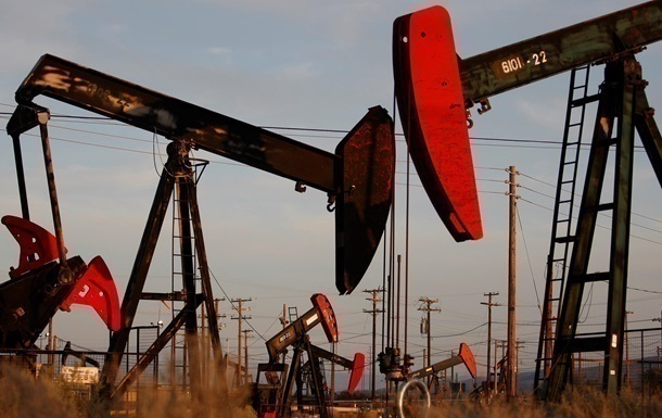 Цена на нефть упала ниже 40 долларов