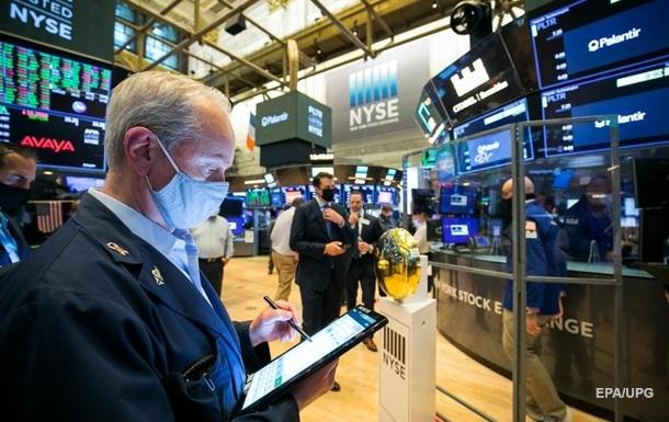 На фоне известий о белезни Трампа, в США упали биржевые индексы