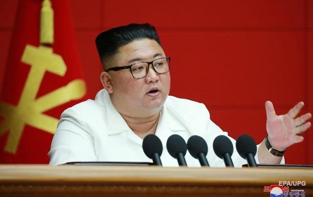 Ким Чен Ын пожелал Трампу выздоровления