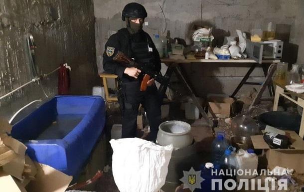 У Запорізькій області ліквідували масштабну схему збуту наркотиків