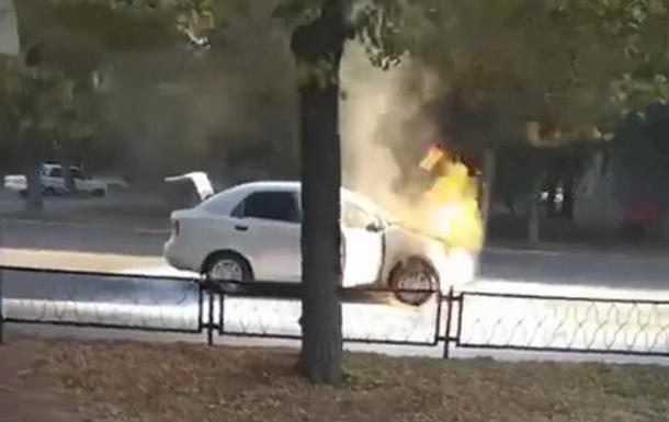 В Харьковской области на ходу загорелось авто