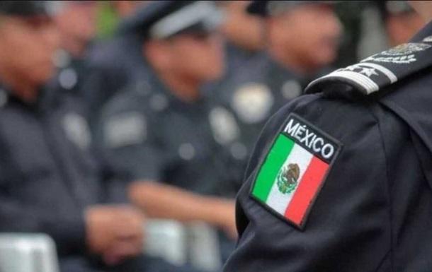 В Мексике обнаружили 12 человеческих тел в двух автомобилях - СМИ