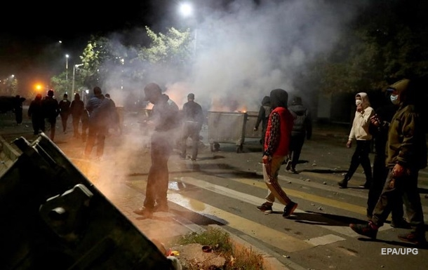 На протестах в Бишкеке пострадали почти 700 человек