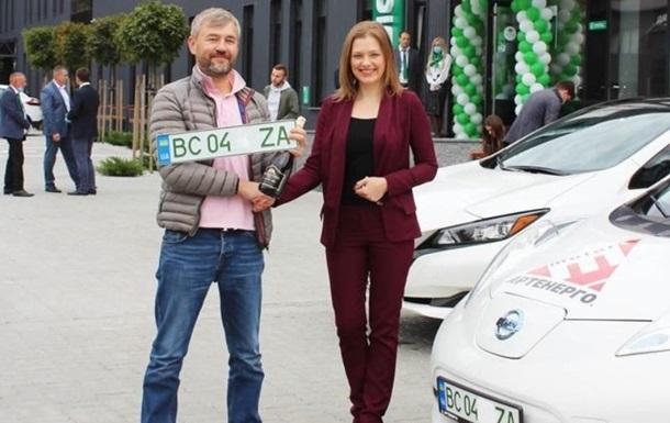 В Україні на електромобілях з явилися зелені номери