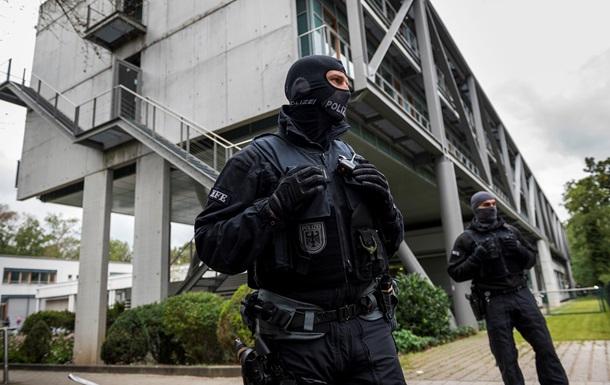 Сотни случаев. Правый экстремизм в органах госбезопасности ФРГ