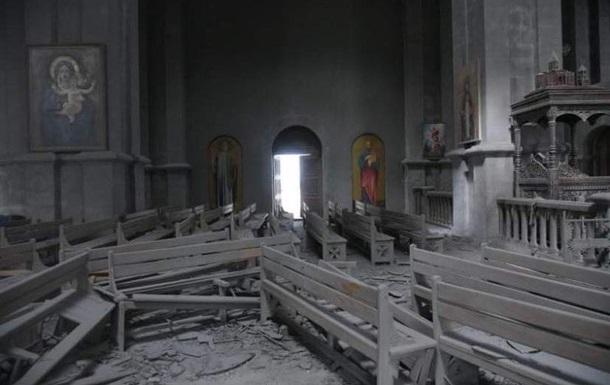 В Нагорном Карабахе под обстрел попал собор