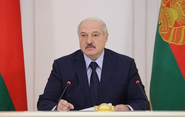 Лукашенко увидел внешнее вмешательство в Карабахе и Бишкеке