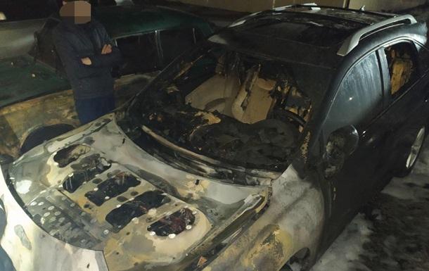 На Харьковщине сожгли авто кандидата в мэры