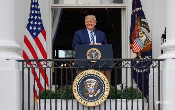 Трамп вперше вийшов на публіку після COVID