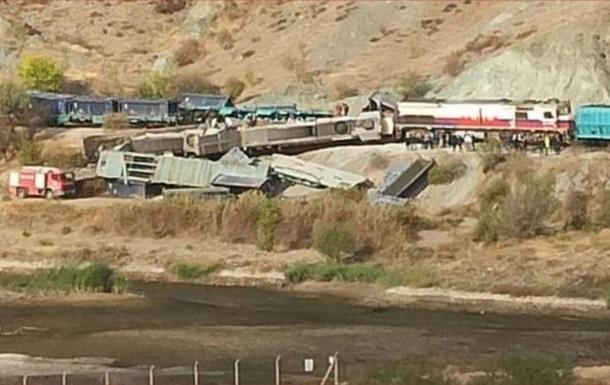 У Туреччині зіткнулися вантажні потяги: загинули люди