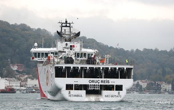 Reuters: Турецкие судна 10 дней пробудут в Восточном Средиземноморье