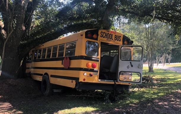 В США 11-летний мальчик угнал школьный автобус