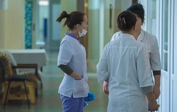 Пандемия: В Киеве уволилась четверть медиков