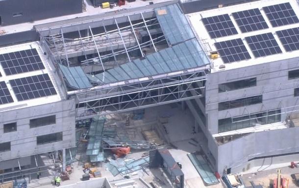 В Австралии обрушилась крыша здания, есть жертвы