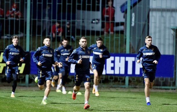 Караваев, Сидорчук и Ярмоленко - в стартовом составе на матч против Испании