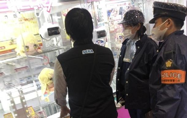 Японец 200 раз проиграл игровому автомату и вызвал полицию