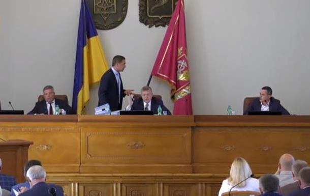 Глава Харьковской ОГА обругал депутата на сессии