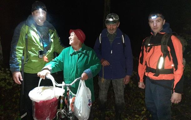 На Закарпатье за полдня заблудились четыре грибника, одного нашли мертвым