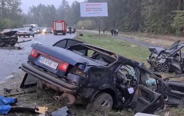 П яна ДТП під Києвом: зіткнулися три авто, п ятеро постраждалих