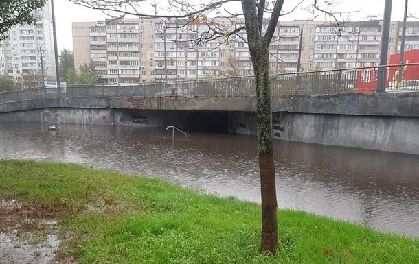 Итоги 17.10: Ливень в Киеве и ураган в Украине