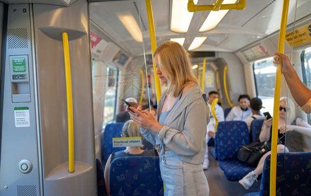 Швеция меняет стратегию борьбы с пандемией - СМИ