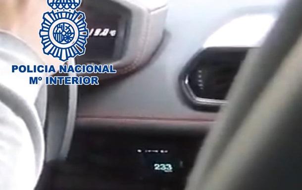 В Іспанії затримали автоблогера, який розігнався до 233 км/год