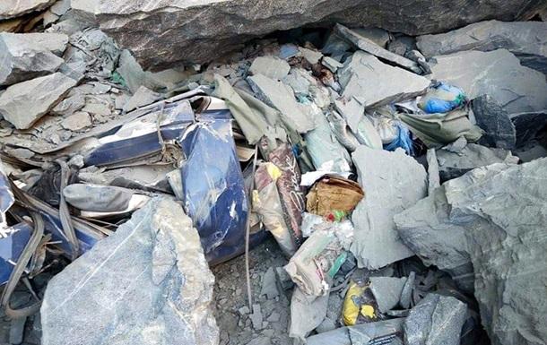 В Пакистане под обвал попал пассажирский автобус - все погибли