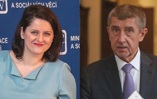 В Чехии министр попала в скандал, обозвав премьера дебилом