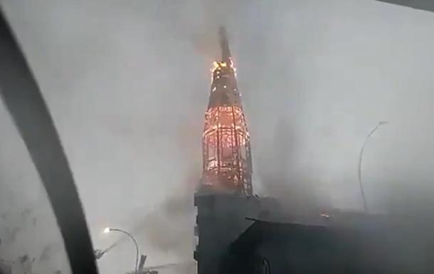В Чили ограбили и сожгли две церкви