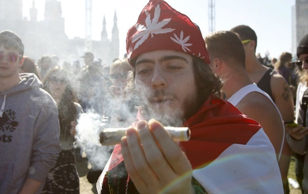 Канадцы спасаются от COVID марихуаной