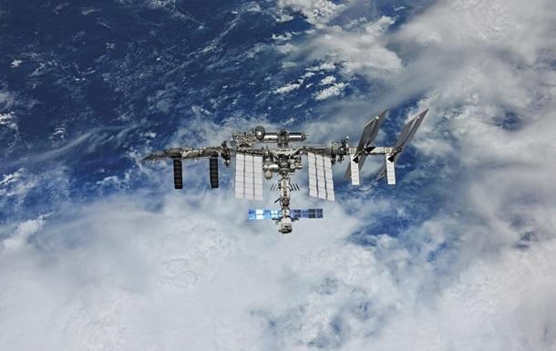 У Роскосмосі назвали розмір тріщини на МКС