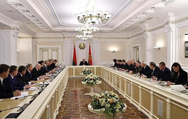 Лукашенко собрал на совещание высшее руководство