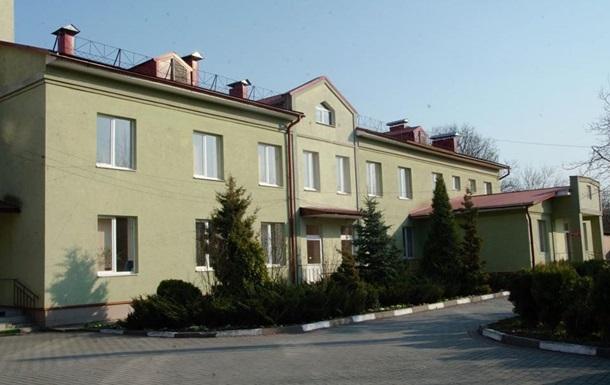 На Прикарпатье почти все врачи больницы заразились COVID