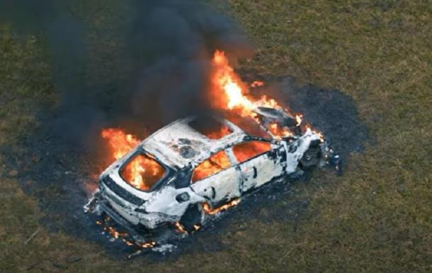 Блогер сжег свой Mercedes и снял это на видео