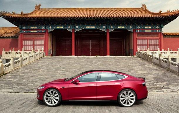 Tesla змушують відкликати з Китаю близько 50 тисяч проданих авто
