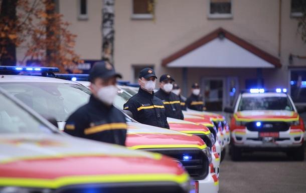 ГСЧС получила аварийно-спасательные автомобили