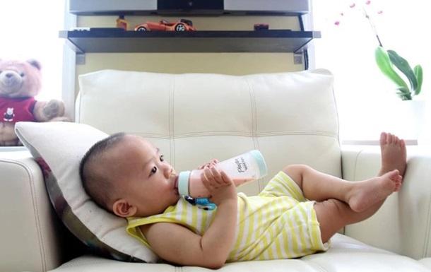 Немовлята у всьому світі отримують понад 1,5 млн частинок мікропластіка в день