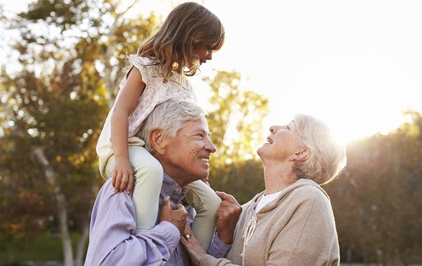 Новый дудл от Google: День бабушек и дедушек