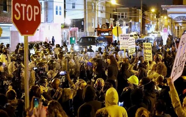 Опубліковано відео заворушень у Філадельфії