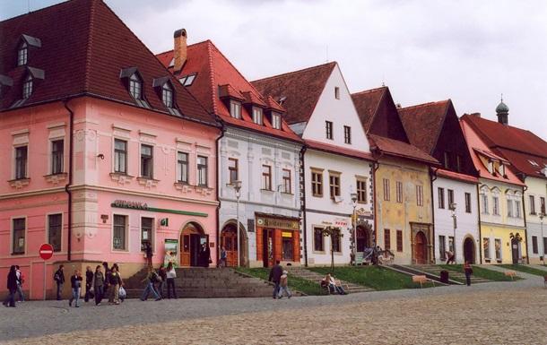Жителям Словакии продлили ограничения на передвижения