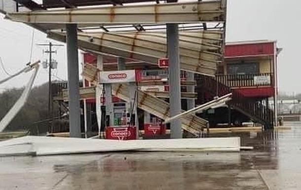 Опубліковані відео наслідків урагану Зета в США